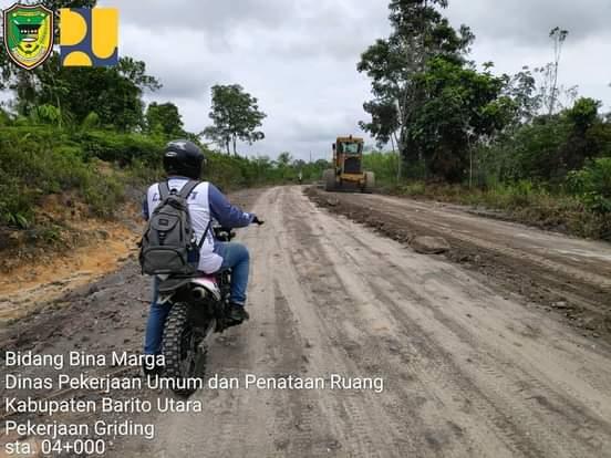 Bupati Barito Utara H Nadalsyah Perintahkan Dinas PUPR Segera tangani Ruas Jalan Desa Lemo - Bundaran Buhut