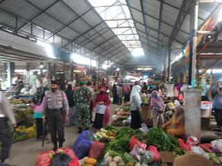 Antisipasi Gangguan Kamtibmas, Polsek Enrekang Patroli Pasar