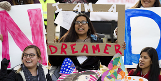 Senators, White House lay groundwork for Dreamers deal