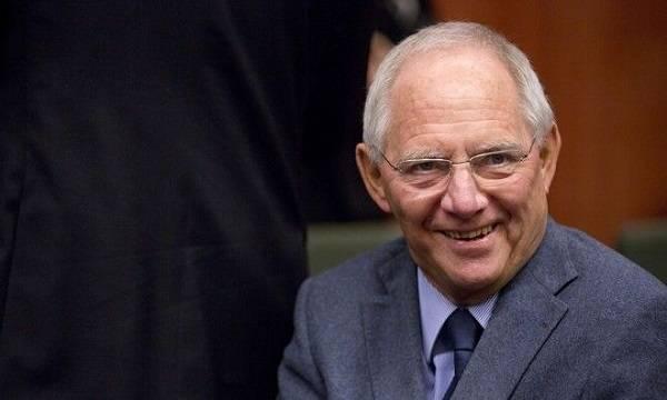 Σόιμπλε: Πιο ρεαλιστικές οι προβλέψεις της ελληνικής κυβέρνησης από του ΔΝΤ
