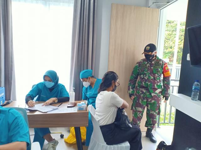 Tepatnya Dibukit Sofa, Personel Jajaran Kodim 0207/Simalungun Dampingi Pelaksanaan Vaksin Dosis ll