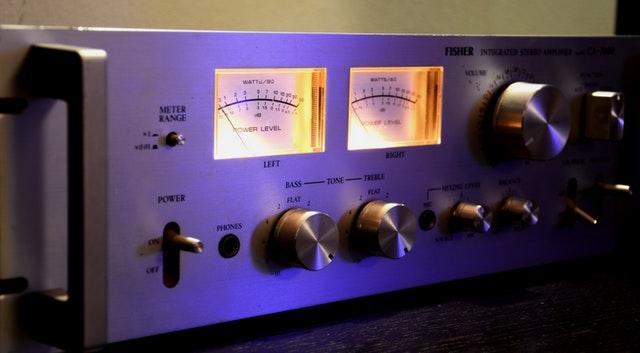 skema rangkaian amplifier daya 10 watt