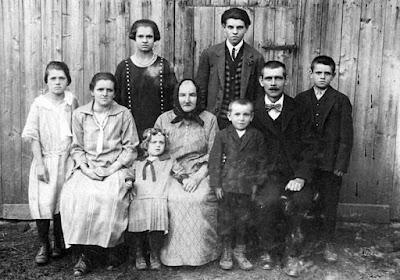 Historická rodinná fotografie - předci