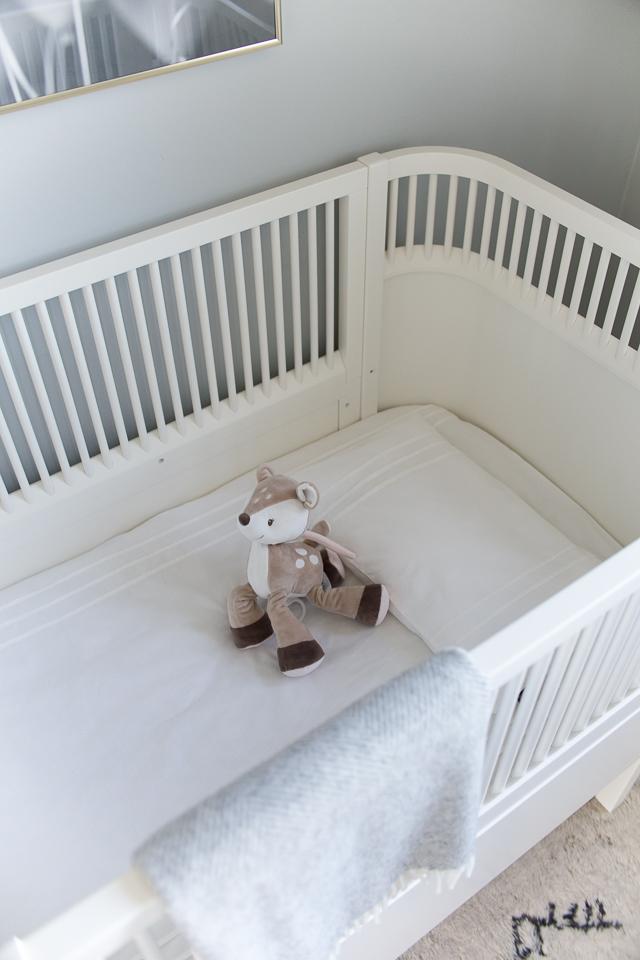 Villa H, lastenhuoneen sisustus, sebra pinnasänky