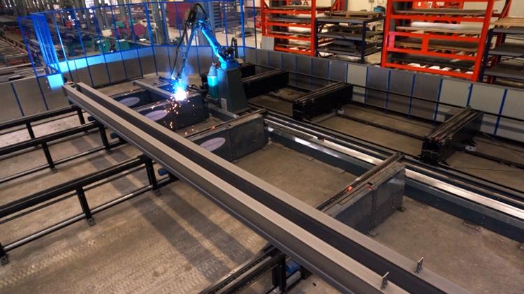Автоматический роботизированный комплекс BalkenLasMachine для сварки несерийных металлических конструкций строительного назначения