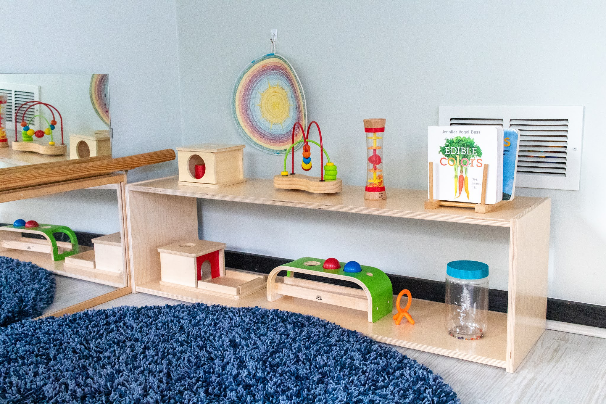 A catalogue of shelves for your Montessori home. If you are getting started with Montessori, these are great options to consider to prepare a space.