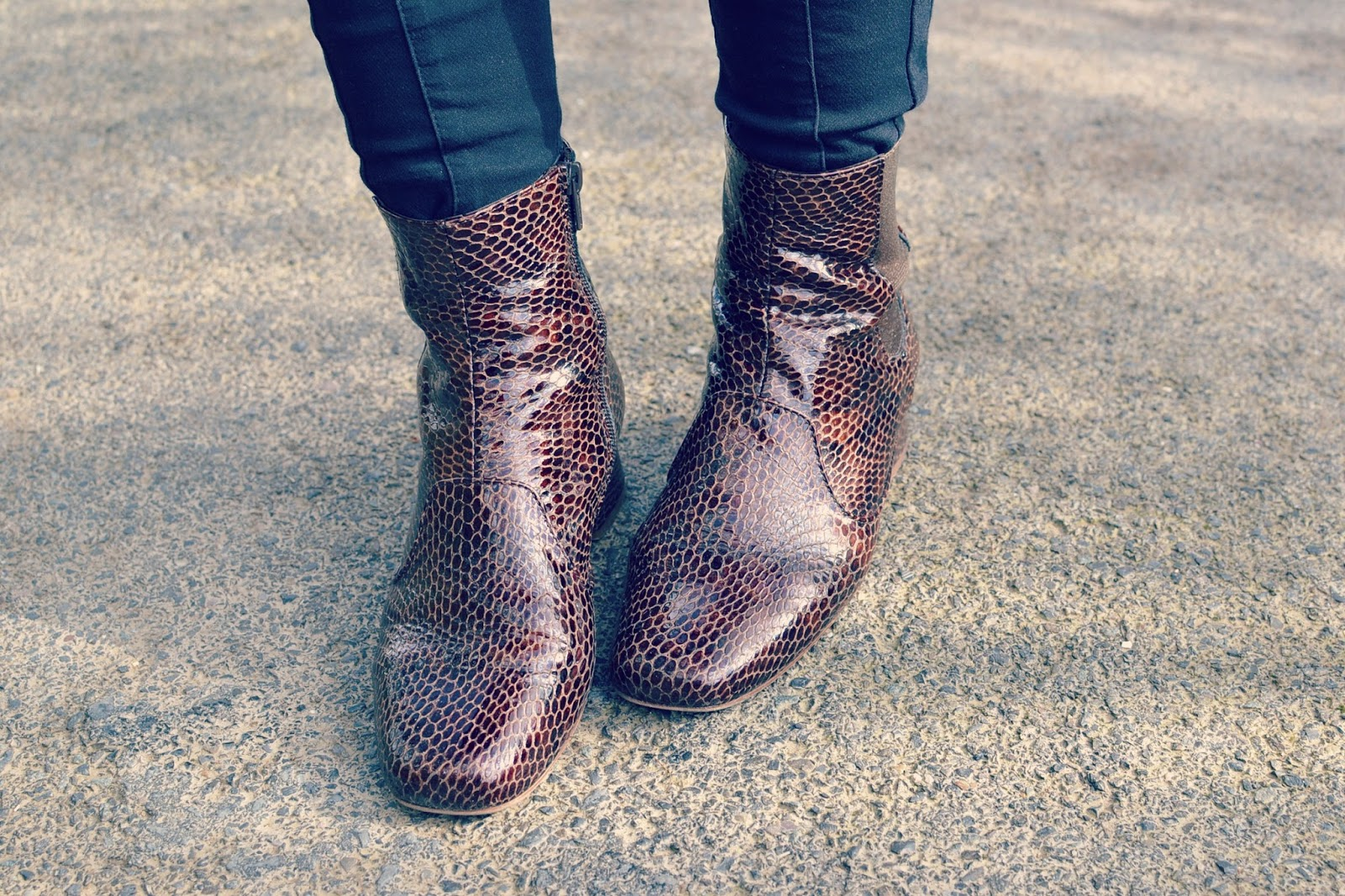 Fashion blogger, Finery London boots