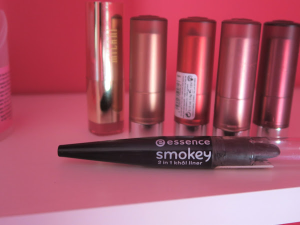 Review - 2 em 1 Smokey Black Essence