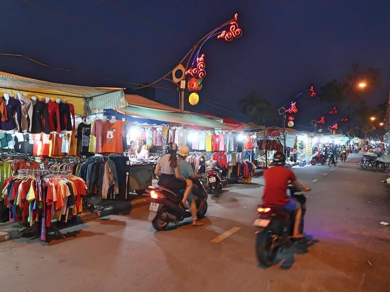 Chợ đêm tại đường Nguyễn Huệ Sa Đéc