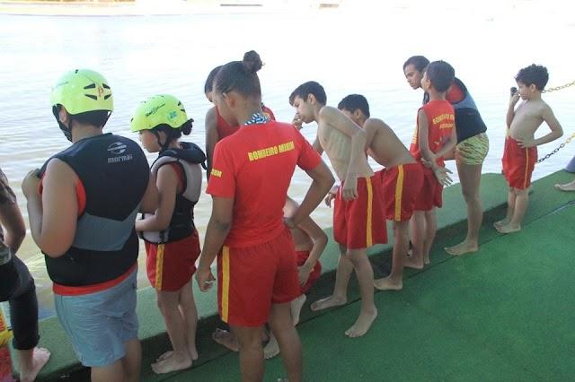Bombeiros Mirins de Senador Canedo tem atividade especial em parque aquático