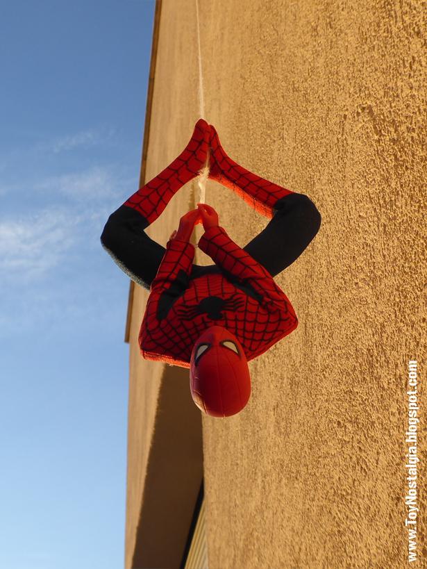Mego Spider-Man 12 pulgadas - Colgando cabeza abajo   (MEGO - World's Greatest Super Heroes!)