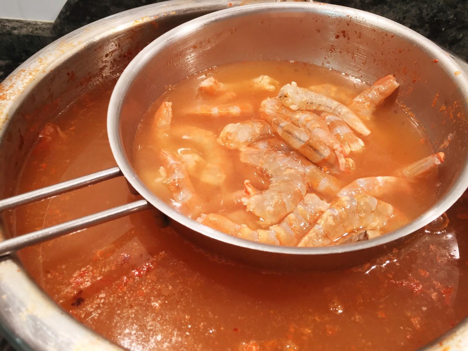 Cocina tu alegr a t pica ensaladilla de gambas de c diz - Cuanto tarda en cocer una patata ...