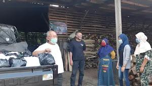 Pandemi Turut Sulitkan Warga Desa, Tokoh Masyarakat Ini Bangkitkan Bantu Sesama