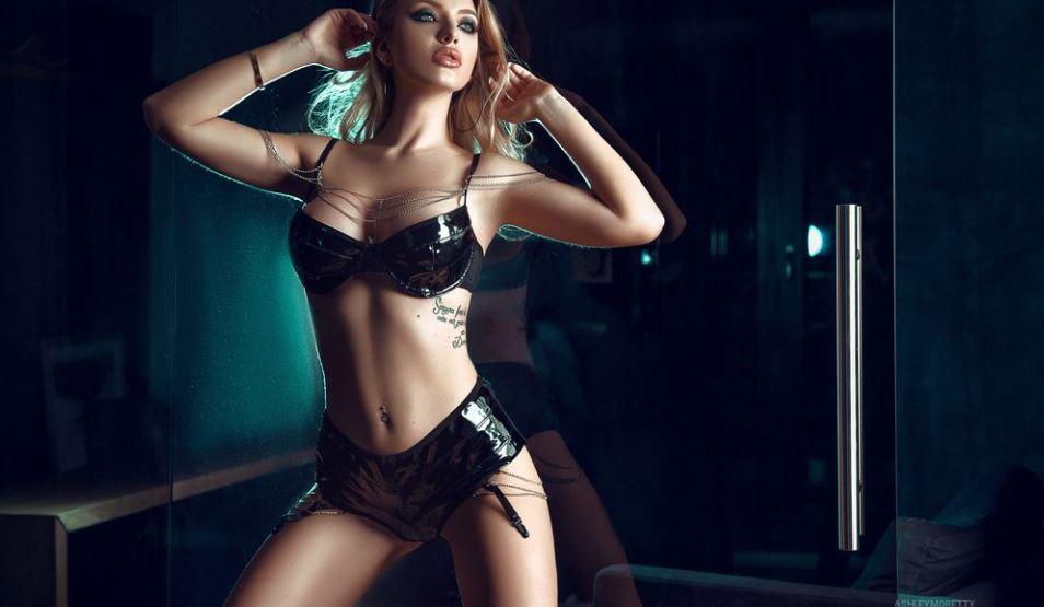 AshleyMoretty Model GlamourCams