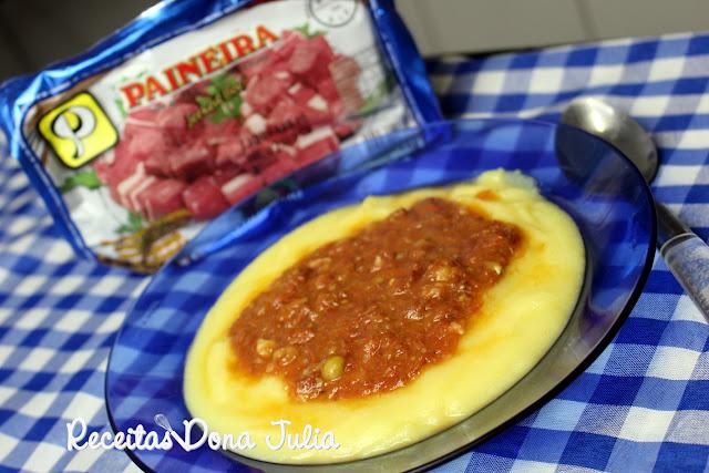 """Polenta Cremosa com Ragu de Carne seca"""