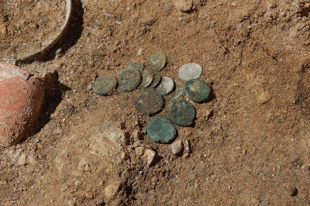 Coins from the 3rd century BC found at Vulci burial site