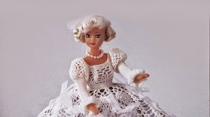 Dos modelos de vestidos para Barbie