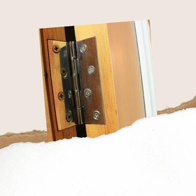 Memperbaiki engsel pintu dan laci