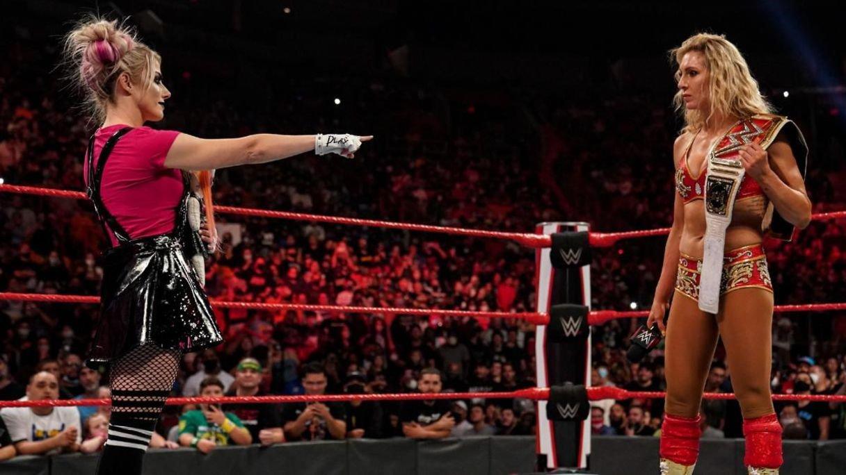 Vários fãs foram embora do WWE RAW durante o segmento entre Alexa Bliss e Charlotte Flair