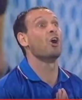 Toto Schillaci in familiar pose