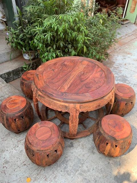 bàn ghế trống gỗ trắc