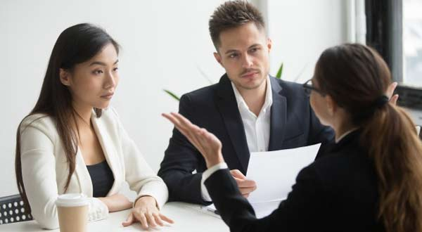 8 Cara Menghadapi Rekan Kerja Yang Jahat