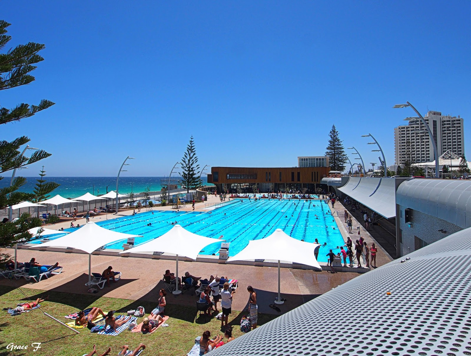 perth daily photo scarborough beach swimming pool