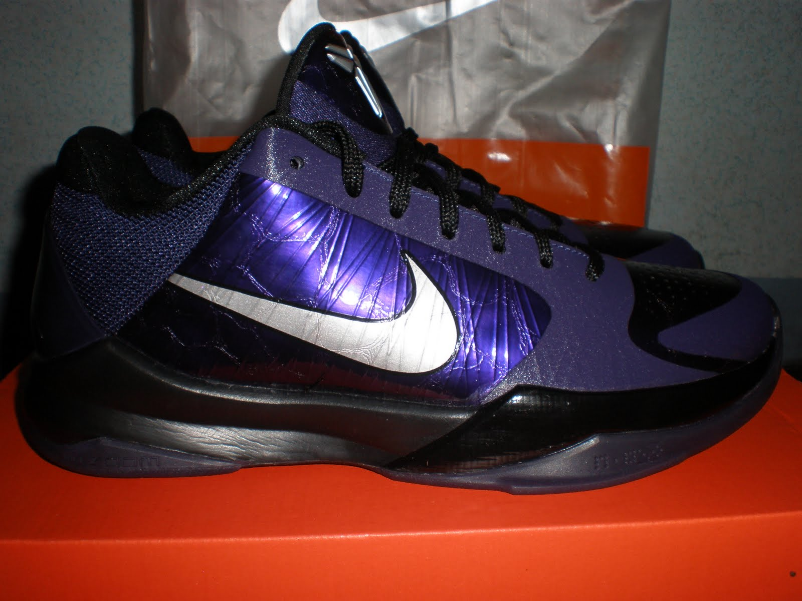 premium selection 6267d d5021 Aside from collecting toys, I also collect basketball shoes most  especially, Kobe signature shoes. Luckily, there was a sale in the Nike  Park in Gateway ...