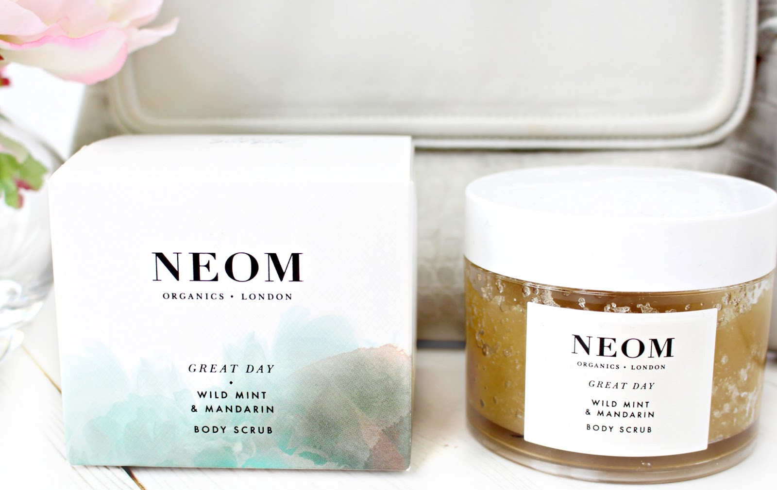 Neom Great Day Body Scrub