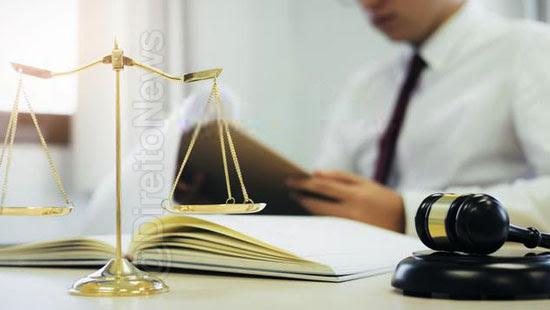 juiz impedido criticado stf artigo direito