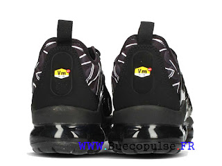 ff97a4b356bd Nike Wmns VaporMax Plus 2018 Chaussures de Basketball Homme White Black  AJ6312-001