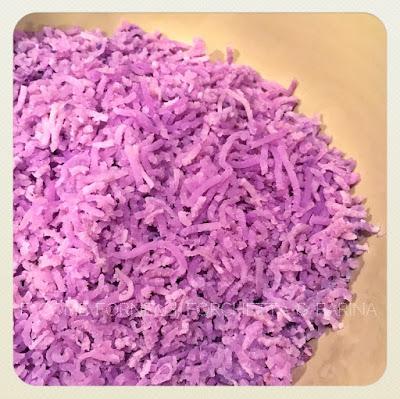 chicche di patate viola con le cozze su crema di zafferano