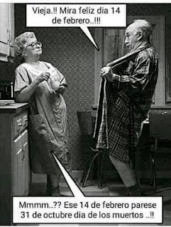 Memes San Valentín abuelo abriendo la bata