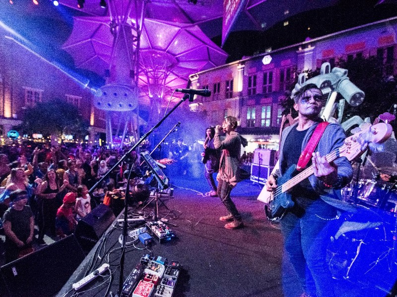 clarke quay halloween themed parties staged band