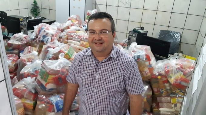 Prefeito Mauricinho vai distribuir 500 cestas básicas para famílias carentes do município
