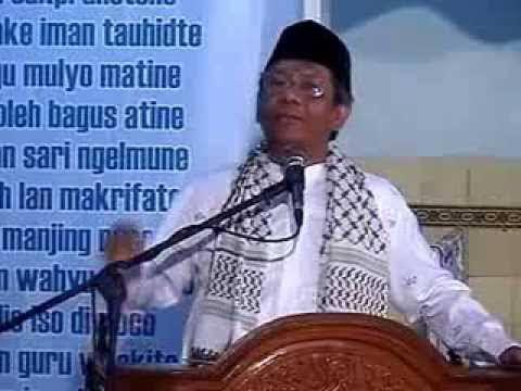 Saya mendapatkan satu video yang beredar luas di sosial media. Dalam penggalan Tausiyah sang Ustadz dalam video tersebut, beliau menyitir perkataan seorang Ulama Hujjatul Islam, Imam Al Ghazali. Sang Ustadz dalam video begitu menggugah memberikan nasehat kebangsaan.