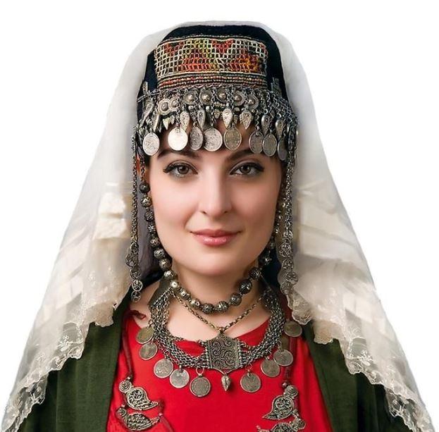 الفوائد التي تحصل عليها عند المواعدة ثم الزواج من امرأة أرمنية