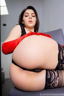 Valentina-Nappi-%3A-Anal-Sex-with-Italian-Beauty-in-POV-%23%23-JULES-JORDAN-16wuf1xrbr.jpg