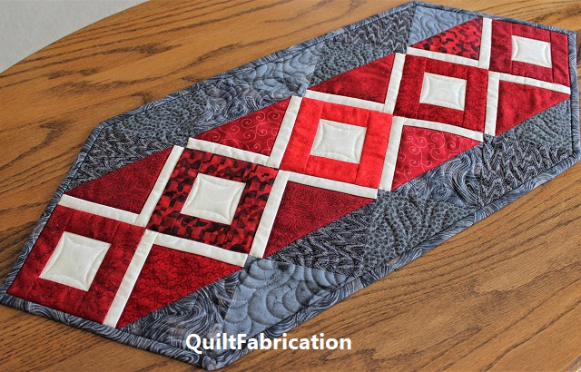 Harlow table runner by QuiltFabrication