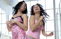 Αυτοί είναι οι λόγοι που οι γυναίκες πάνε δύο δύο στην τουαλέτα...