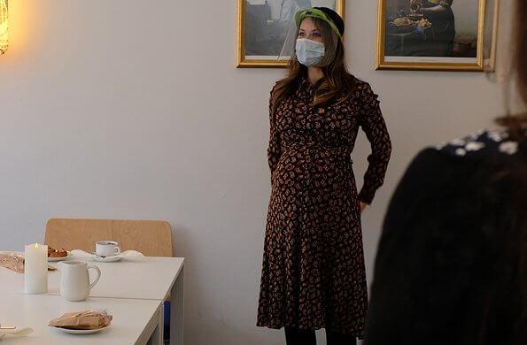 Pregnant Princess Sofia wore a new mesh midi shirt dress from Diane von Furstenberg