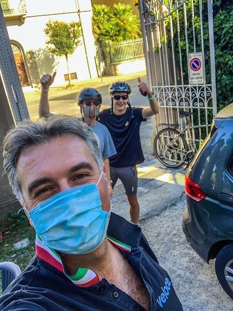 city break carbon road bike rental in pisa florence italy