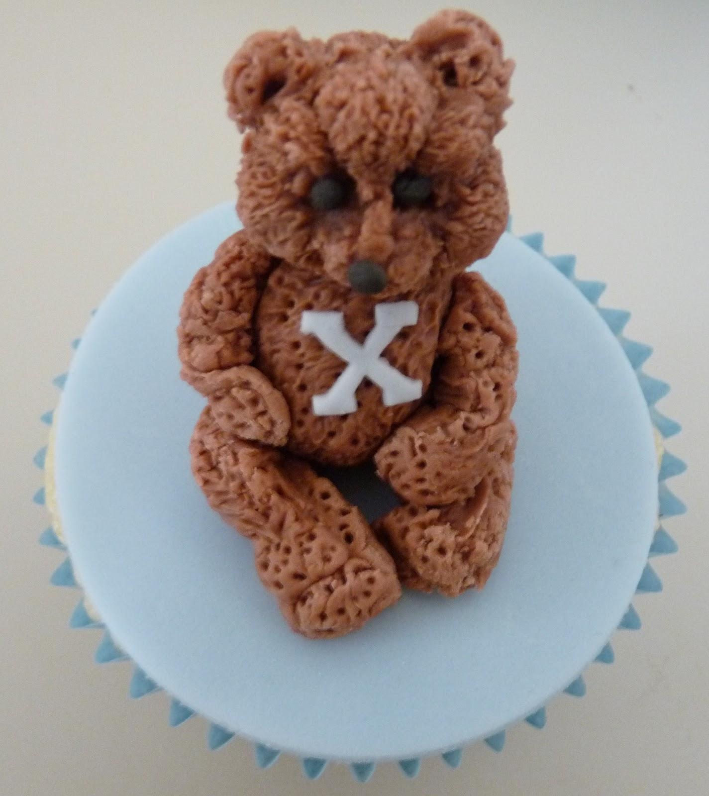 Angie's Cakes: Teddy Bear Cupcakes