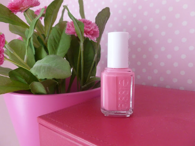 Essie Gel Setter Top Coat And Lovie Dovie Polish