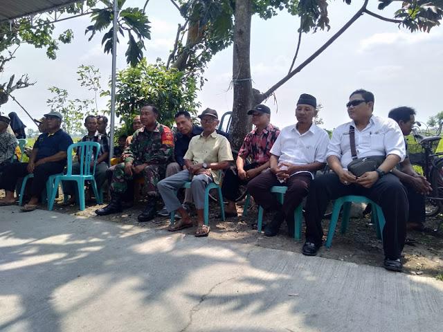 Babinsa Jalin Silaturahmi Dengan  Dengan Warga Wonosari