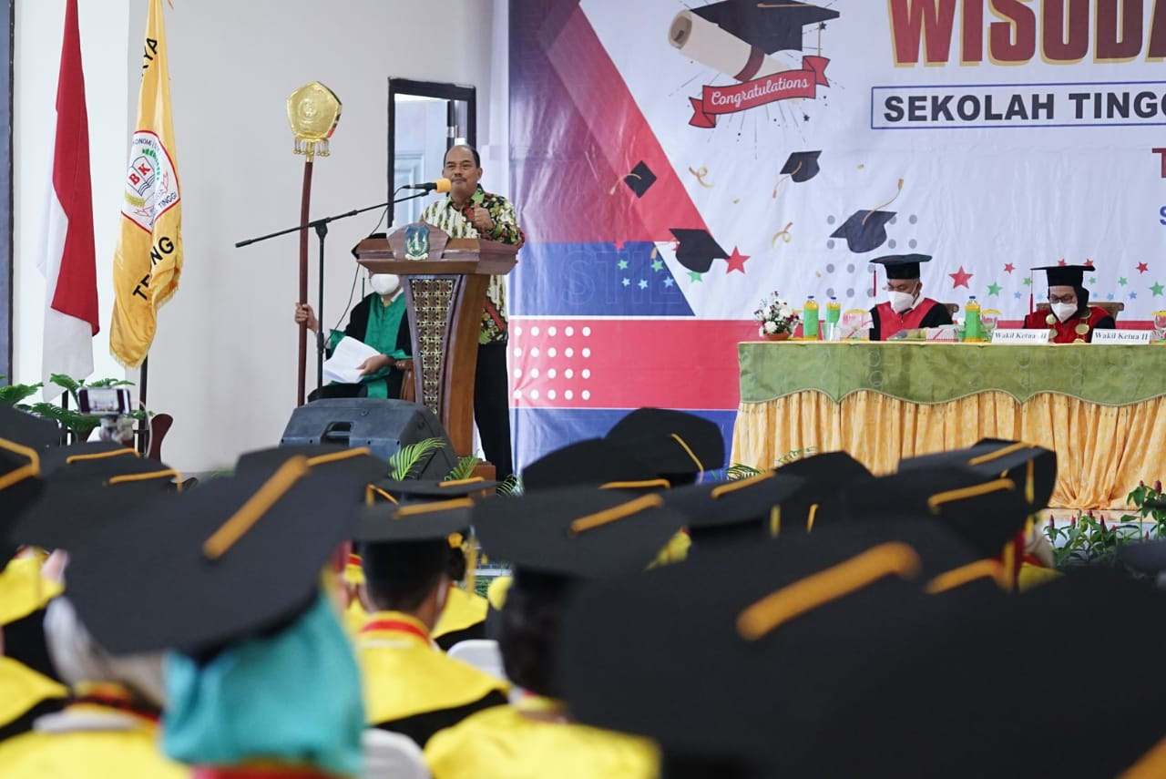 Hadiri Wisuda Bina Karya, Walikota Tebingtinggi Harapkan Lulusan STIE Bina Karya Kreatif dan Berinovasi