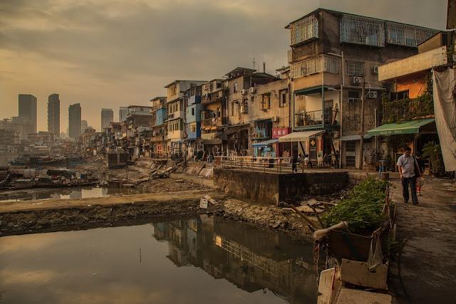 Contoh Teks Eksplanasi Sosial (Kemiskinan)