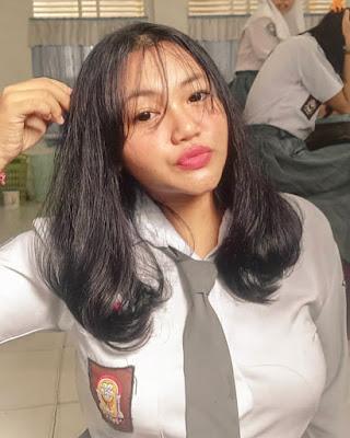 Selfie Siswi SMA Cantik  toge