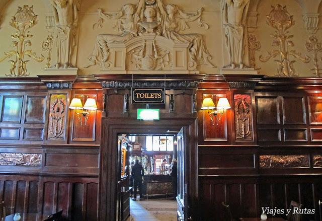 Philharmonic pub
