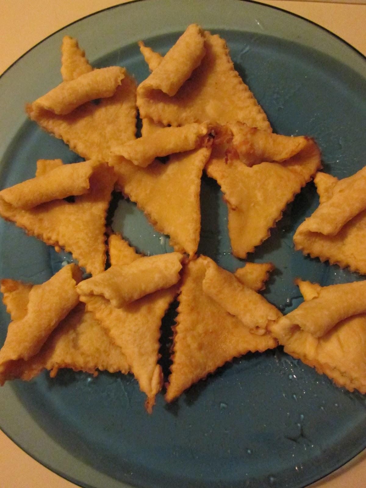 Readerbuzz: Virtual Advent: Uff da! Norwegian Fattigmands!